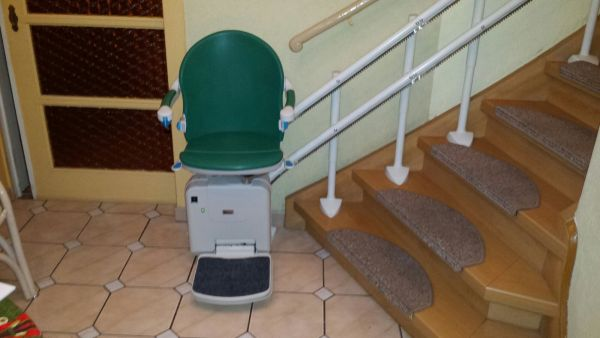 Handicare Minivator 2000 Treppenlift inkl. Montage gebraucht