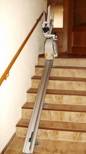 Gerader Innen-Treppenlift (gebraucht) – ACORN Superglide 120