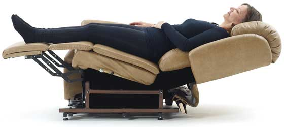 seniorensessel ab 710 mit aufstehhilfe mc seniorenprodukte. Black Bedroom Furniture Sets. Home Design Ideas